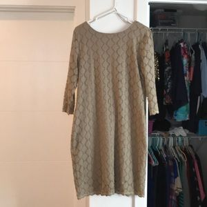 Flattering boatneck lined lace dress 3/4 sleeves